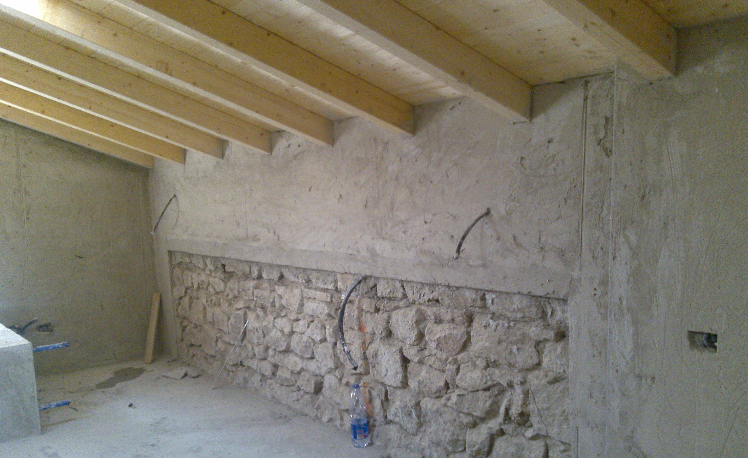 Soffitti In Legno Lamellare : Cantina ristrutturata tetto a due falde in legno lamellare